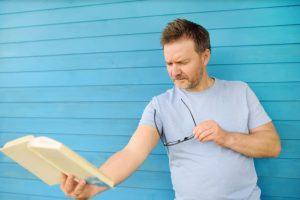 La presbytie, un défaut de réfraction lié à l'âge